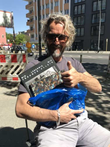 IMG 0927 e1527337622663 377x503 The artist John Isaacs with my books which I left on the bus in Berlin and where returned.